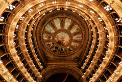 8Z1A4314-1 (wernkro) Tags: theater teatro massimodipalermo sizilien krokor symmetrie farbe palermo italien