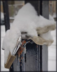 Lucchetto (Aellevì) Tags: catena cancello chiuso neve inverno giro intorno