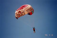 Up she was (Pierre♪ à ♪VanCouver) Tags: acapulco sachi mexico parasailing mexique