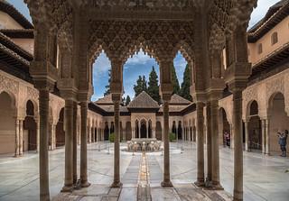 Patio de los Leones - Cour des lions - Alhambra - Grenade