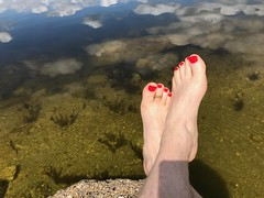 Colores (NailClicks) Tags: tickling toering ring toes water reflection mensfeet foot feet fetish sneakers socks dirty soles soft skin nails polish smell sniff nylon nike adidas puma heels hot sexy girl women fussfetisch fetisch socken schuhe sportschuhe kiss mano interior manos