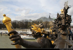 Pont Alexandre III, Paris, France (JH_1982) Tags: pont alexandre iii 亚历山大三世桥 アレクサンドル3世橋 알렉상드르 3세 다리 мост александра historic architecture landmark building statue staues sculpture gold golden beauxarts style beaux arts art nouveau lamps deck arch bridge brücke puente ponte grand palais great palace seine sena senna 塞纳河 セーヌ川 센 강 сена river fluss paris parís parigi 巴黎 パリ 파리 париж باريس france frankreich francia frança 法国 フランス 프랑스 франция فرنسا