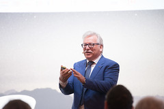 Günther Hasinger at GAIA press briefing (europeanspaceagency) Tags: esa europeanspaceagency space universe cosmos spacescience science spacetechnology tech technology ila ila2018 berlin germany gaia data release gaiadr2 mission gaiamission guenther hasinger guentherhasinger pressconference