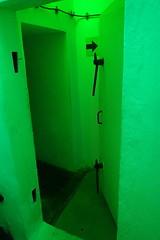 Bunk'Art 2 - Porte (8pl) Tags: porte abri bunker vert lumièreverte musée tirana albanie intérieur