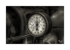 MAN (Fujigraf) Tags: druck maschine jahrhundert fuji 56mm power steam titanic kraft stark mensch arbeit