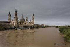 La última crecida (Otra@Mirada) Tags: elpilar pilar zaragoza ebro río caudal desbordar agua rivera iglesia catedral aragón