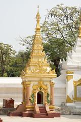 DSC03279 (jeffreyng photography) Tags: မဟာမုနိဘုရားကြီး 馬哈木尼寺院 mahamunibuddhatemple 曼德勒 manadalay myanmar trip travel travelling ပုဂံမြို့သစ် 緬甸 childrens