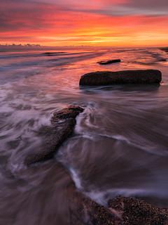 Spiaggia del Cerrano, alba.