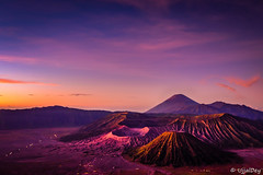 Gunung Bromo, Indonesia ~ EXPLORED #452 (28-Apr-2018) (ujjal dey) Tags: ujjal ujjaldey travel indonesia java bromo mountain volcano batok morning dawn sunrise surreal glow purple fujifilm xe2s 1024mm landscape tenggersemeru seaofsands cemorolawang penanjakan scenary nature gunungbromo ringoffire probolinggo