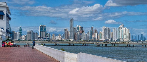 20180203_Panama_4100 crop Panama City sRGB