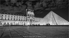 nuit au musée 6 (Pierre-Alain Lombard) Tags: paris france le louvre capitale musée pyramide nuit blue night silver gold monuments