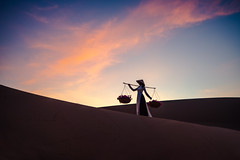 Mũi Né white sand with woman in vietnam culture traditional dress, Vietnam (Patrick Foto ;)) Tags: adventure asian background beautiful beauty blue business colorful copy culture desert dune dunes dusk evening female girl happy lady landscape lifestyle morning mui muine nature ne one orange outdoors people portrait red sand silhouette sky space summer sunset texture tourism tourist traditional travel vietnam vintage white woman yellow young thànhphốphanthiết bìnhthuận vn