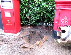 Post Box Recovery - Day 2 - that's deep enough! (kitmasterbloke) Tags: postbox royalmail edwardviii abdication pillar red mail letter delivery historic halstead essex uk outdoor