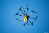 Dron volando sobre la Av. del Ejercito con el cable guia.. (Max Glaser) Tags: cablecar teleferico dron bolivia lapaz southamerica gondola ropeway urbantransport transportation