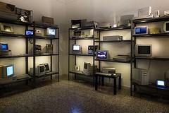MusIF Apple Room photo by @luisacivardi @verdebinario #apple #woz #jobs #mac #vintagecomputers #retrocomputers #retrocomputing #instanerd #computer #circuit #maker #laboratory #programmable #tech #tecnology #projects #broadcasting #oldhardware #instatech (Museo dell'Informatica Funzionante) Tags: musif miai freaknet dyneorg trasformatorio