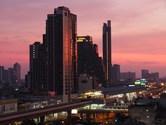 ' Wong Wian Yai Skytrain Station ' (Andy Zingo Photography) Tags: bangkok thailand wongwianyai sunset