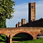 Pont de la via Roma, remparts nord de Montagnana, province de Padoue, Vénétie, Italie. thumbnail