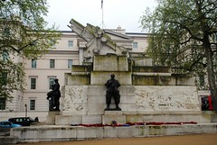 Royal Regiment of Artillery Memorial (zawtowers) Tags: jubilee greenway section 1 walk saturday 28th april 2018 cloudy damp buckinghampalacetolittlevenice amble stroll walking exploring london urban royal regiment artillery war memorial lost lives worldwari cannon stone