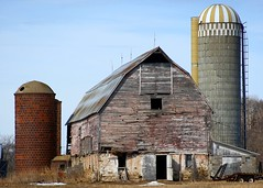 Wisconsin barn (Steve O'Day) Tags: wisconsin canon rural barn silo midwest decay old farm farming