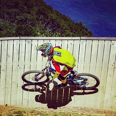 MTB (World Space Patrol) Tags: mtb bawbaw outdoor downhill canon