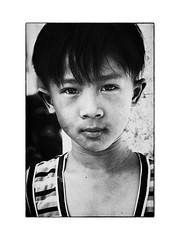 Enfant vietnamien (philippeprovost1) Tags: hanoï garçon rue regard look expression enfant vietnam street boy child pauvreté poverty happyplanet asiafavorites