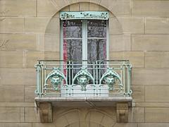 Balcon du Castel Béranger d'Hector Guimard à Paris (dalbera) Tags: dalbera castelbéranger hectorguimard artnouveau paris france ferronnerie