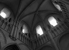 Abbaye Aux Dames - Caen (CindyDel) Tags: abbaye caen france normandie calvados abbayeauxdames église monument monumenthistorique ancien noir blanc black white noiretblanc blackandwhite
