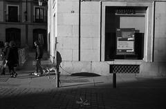 Street Madrid (David Lopez Fotografía) Tags: canonet madrid analogico analog film photography kodak street trix400 canoscan