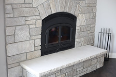 Fond du Lac Tailored Blend (Buechel Stone) Tags: stoneveneer veneer stonecladdingsystem stonecladding naturalstone stone fireplace hearth mantel cutstone