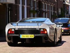 Jaguar XJ220 (Skylark92) Tags: nederland netherlands holland noordholland northholland naarden vesting race day 2010 jaguar xj220 76hrnn 1993 people windshield