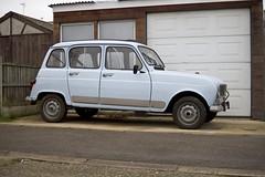 british 4L (Steph Blin) Tags: 4l renault french car bleu blue voiture automobile populaire losange française rue street auto bagnole england angleterre british essex