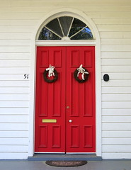 Simple Easter wreaths, Holy Trinity Church, Bull Street, Charleston, SC (Spencer Means) Tags: dwwg architecture church holytrinity reformed episcopal door doorway arch arched red wood wreath easter bull street harlestonvillage charleston sc southcarolina