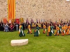 St. Jordi Montblanc 2018 (88) (calafellvalo) Tags: montblancjordimedievalleyendadragónpríncipesreyesrosasjorgecalafellvalo montblanc santjordi setmanamedieval leyendadesanjorge calafellvalo entregadelarosa nobleza reyesdearagón duquesdemontblanc catalunya catalonia spain díadelliobro dayofthebook cervantes dayoftheroses rosesandlove love príncipes