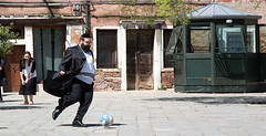 Football in the Ghetto of Venice (pe_ha45) Tags: football fussball ghetto venice ili israeltag israel serenissima venezia venise