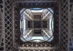 Wrought iron wonder. Maravilla de hierro forjado.... Eiffel Tower (emivillalbagarcía) Tags: hierro architecture eiffeltower iron monumento símbolo geometría perspectiva perspective