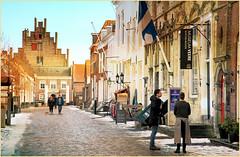 Maisons et Campveerse Toren sur le Kaai, Veere, Walcheren, Zeelande, Nederland (claude lina) Tags: claudelina nederland hollande paysbas zeelande zeeland veere architecture campveersetoren rue street kaai