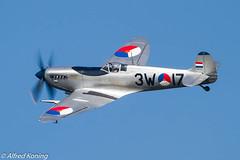 IMG_3802-bewerkt.jpg (Alfred Koning) Tags: 3w17phouq ebblkleinebrogel gebruiker historischevliegtuigenvliegend locatie spitfiremkix stichtingkoninklijkeluchtmachthistorischevlucht