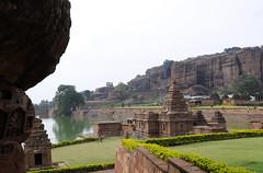 Bhutanath de Badami, Inde (voyagesphotos) Tags: inde india karnataka badami temple religion hindouisme hindou hindu lac eau
