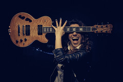 Alejandra Burgos (Miguel Prado) Tags: alejandraburgos guitar guitarra cantante singer