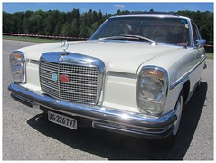 Mercedes-Benz 250 CE (v8dub) Tags: mercedes benz 250 ce schweiz suisse switzerland bleienbach german pkw voiture car wagen worldcars auto automobile automotive youngtimer old oldtimer oldcar klassik classic collector