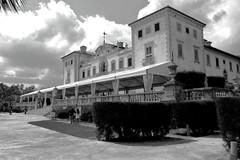 Jardín y Museo Vizcaya, Miami, Fl. (Mario Rivera Cayupi) Tags: museo museum casa house miami florida usa bw cielo sky ocio vacations vacaciones sigmaart sigma1835mmf18art canon80d canon