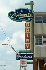 Colverts Dairy Products (dangr.dave) Tags: ardmore ok oklahoma dairy neon neonsign colverts products thedairybest