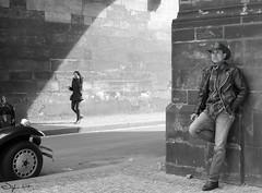Poor lonesome cowboy - Prague Mars 2018 (Syl-la) Tags: «scènederue» street noiretblanc blackwhite cowboy prague people