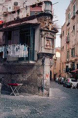 Shrine on washday (ADMurr) Tags: naples napoli italy italia corner leica m6 laundry line wash vertical kodak 200 500 summicron dab4182