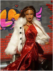 Grunge & Glamour (Mary (Mária)) Tags: barbie mattel glamour grunge barbiebasic graffiti spray ground can diorama handmade barbieholiday fur mbili nataliavodianova love street music art doll dollphotography dollphotographer dollcollector toys fashion style marykorcek