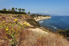 Los Angeles - Malibu Nature (Drriss & Marrionn) Tags: losangelesca la california usa citytrip sky coast malibu landscape landscapes ocean view sea water bluesky shore seaside outdoor pointdume losangeles naturalreserve cliff californiastatepark