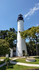 No coconuts on property!   Key west lighthouse (Kaemattson) Tags: oldtown old town key west fl florida keys lighthouse atlantic ocean gulf mexico gulfofmexico atlanticocean bayofflorida everglades limestone keywest southernmost built environment