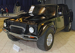 Lambo SUV (Schwanzus_Longus) Tags: techno classica essen german germany italy italian modern car vehicle suv sport utility 4x4 awd 4wd offroad lamborghini lm002 old classic vintage