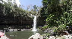 Cascada, cueva y poza (ben.bourdon) Tags: cascada blanca matagalpa nicaragua agua américa central paseo natural naturaleza cueva arboles piedras poza