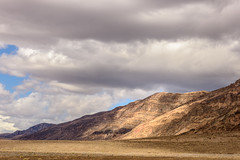 20180314_Death_Valley_069 (petamini_pix) Tags: california desert deathvalley deathvalleynationalpark clouds sky mountain grapevinemountains landscape